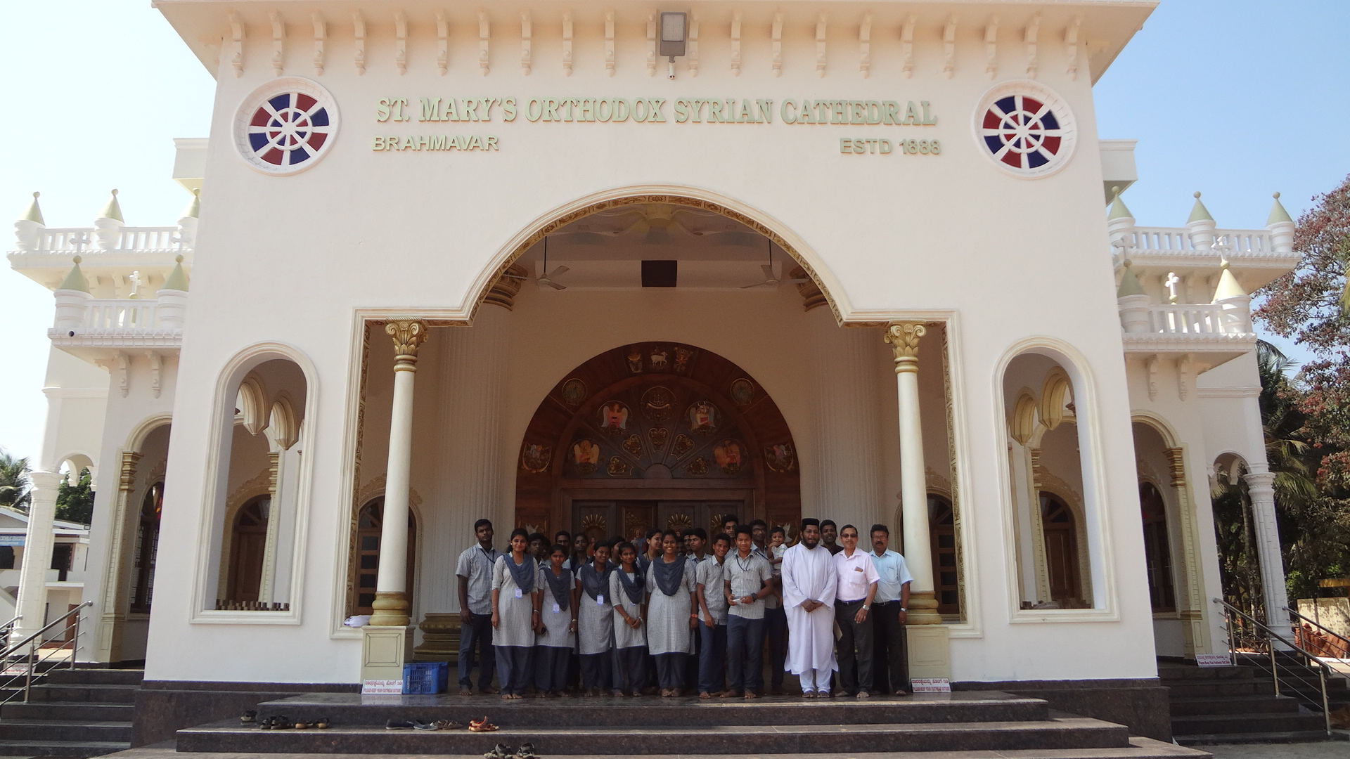 BA students of Milagres College, Kallianpur visits vivid places of worship