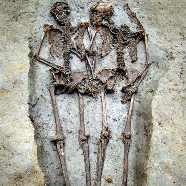 Throwback Thursday: Skeletal remains couple holding hands for 1,500 years