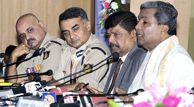 CM admonishes top police officers for not checking communal flare-up in DK