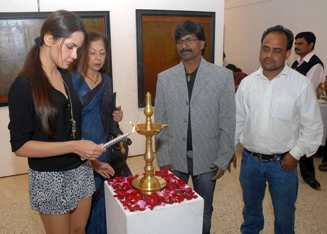 Painting exhibition of Artist Ramesh Thorat at Jehangir art gallery