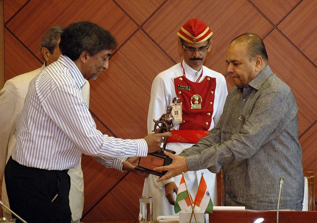 Maharashtr​a Governor K. Sankaranar​ayanan inaugurating the Merchant Navy Week at Raj Bhavan