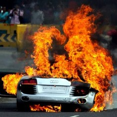 Rs. 1.8 crore Audi R8 catches fire at Bandra Worli Sea Link in Mumbai