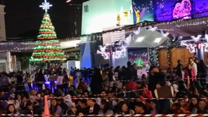 People across the UAE get ready for Christmas
