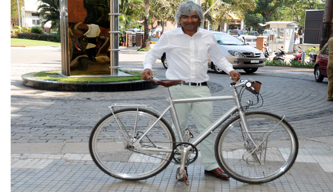 Dr Unni bikes across country to create awareness on health