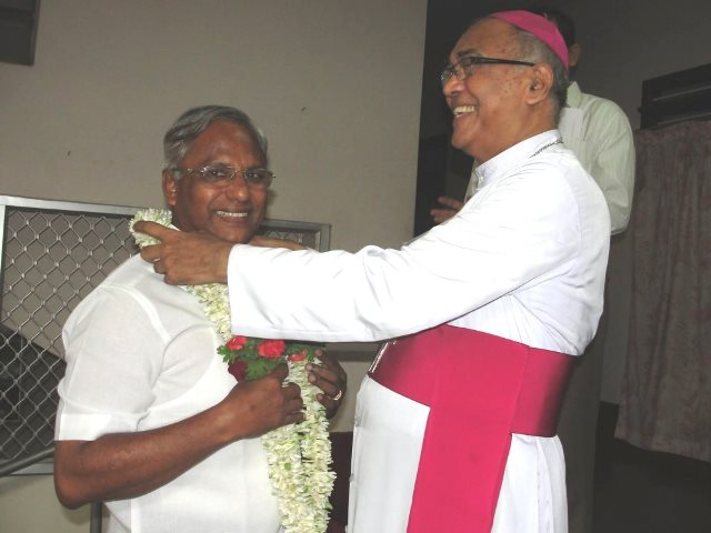 J R Lobo receives Mangalore Bishop's blessings before filing the nomination