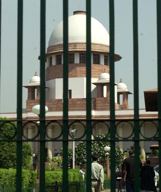 Death sentence of Veerappan aides: SC extends stay on execution