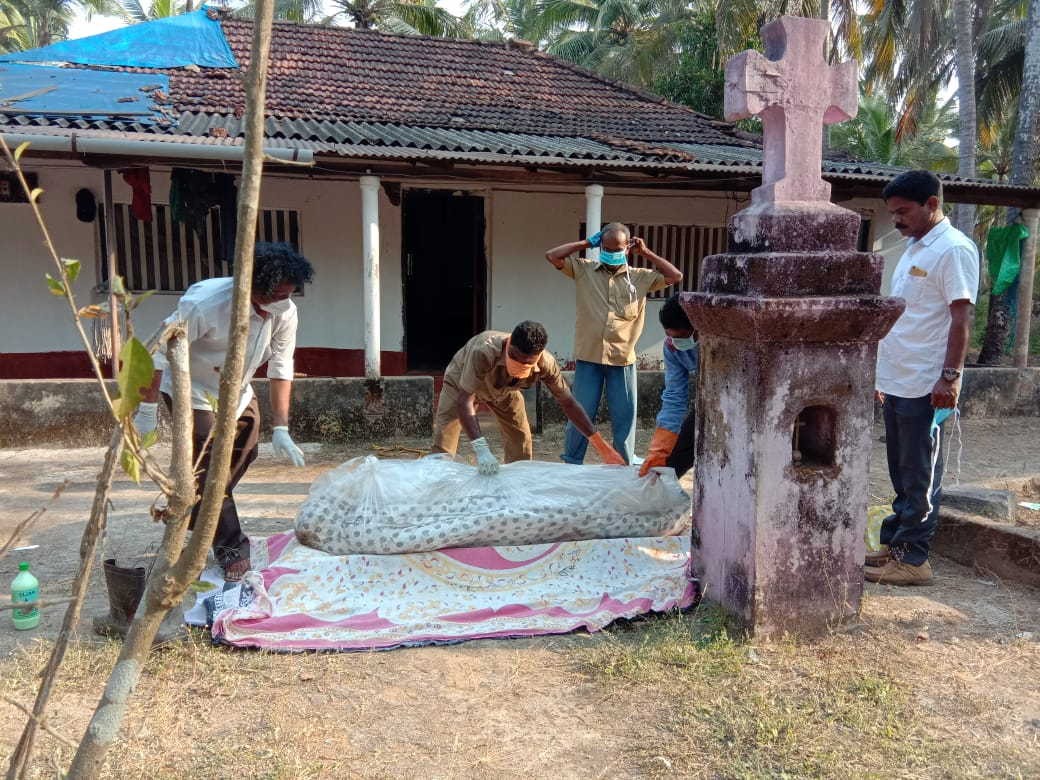 Decomposed body of a man found in house at Ankudru near Udyavar