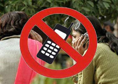 Panchayat bans mobile phones among girls