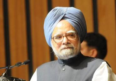 Pakistan debate in Gujarat: Manmohan Singh asks PM Modi to apologise, Jaitley hits back