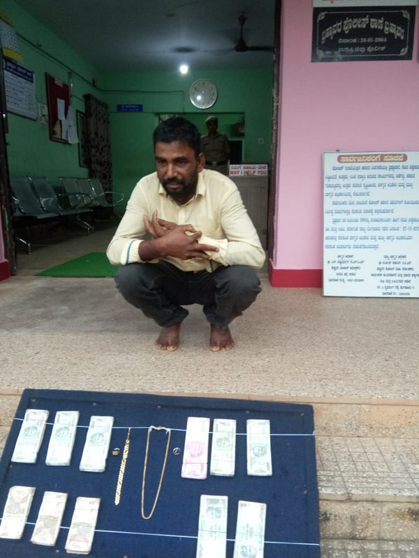 Brahmavar Police nabs theft case accused and recovers stolen cash with ornaments at Mangaluru