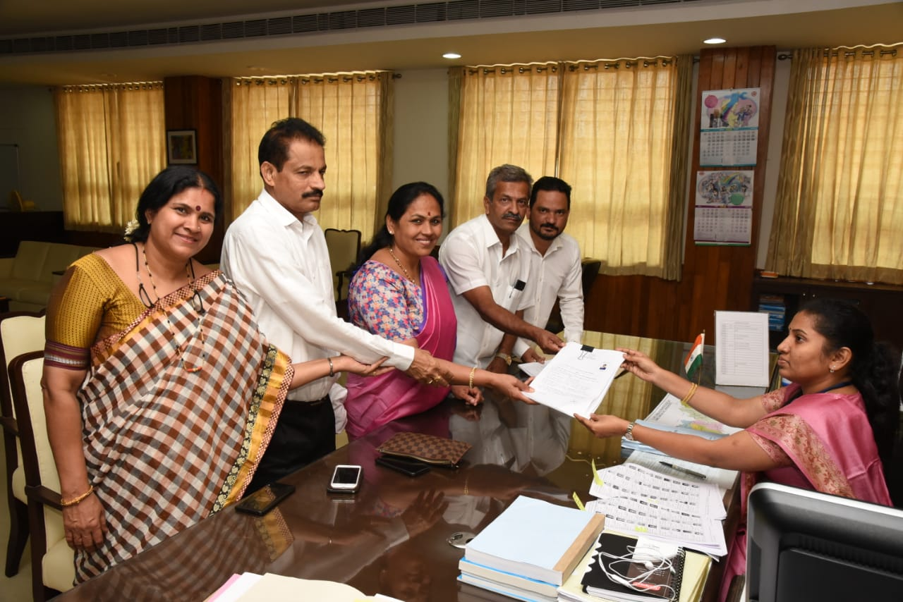 BJP candidate from Udupi-Chickmagaluru Shobha Karandlaje files nomination papers