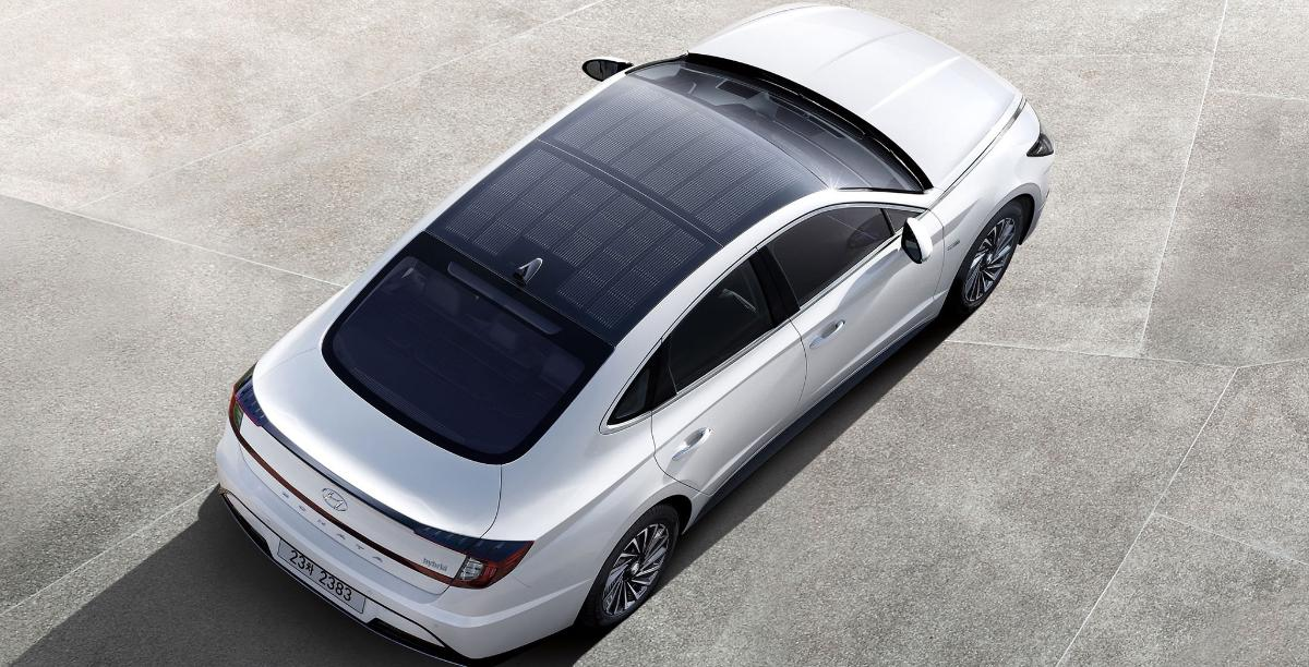 Hyundai Sonata Hybrid debuts with solar roof panel and new transmission tech