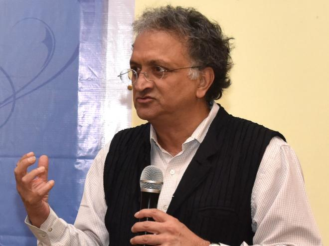 Make Nitish Kumar Congress president: Author Ram Chandra Guha