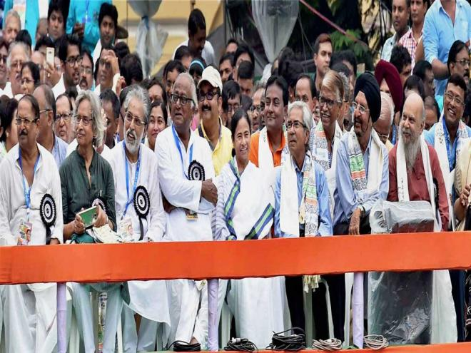 Oust BJP for 'failure' on all front: Mamata tells rally