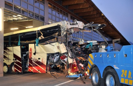 28 people, including 22 children, die in Swiss bus accident
