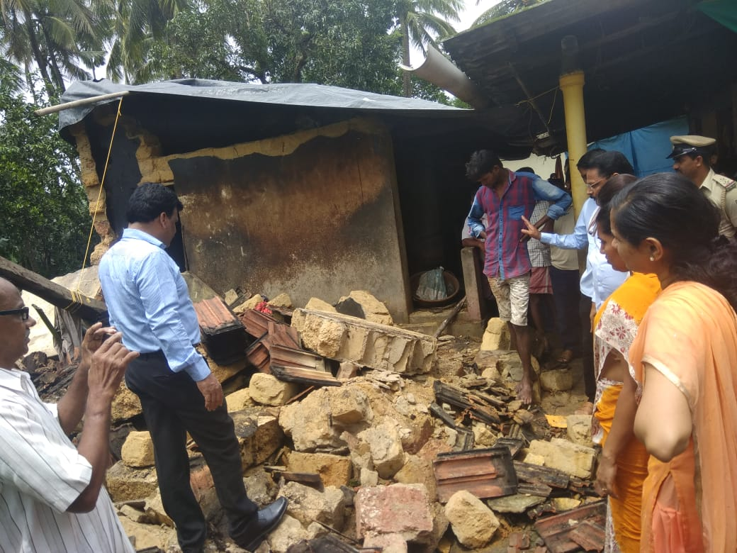 52 year old woman killed in a wall collapse near Brahmavar