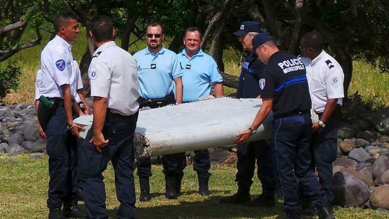 Fresh wreckage found 'matches' MH370