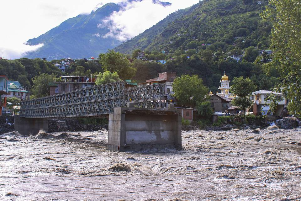 Water level in Ganga, Yamuna crosses danger mark