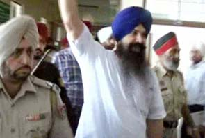 Beant Singh's assassin, Balwant Singh Rajoana, to be hanged on Saturday, rules court