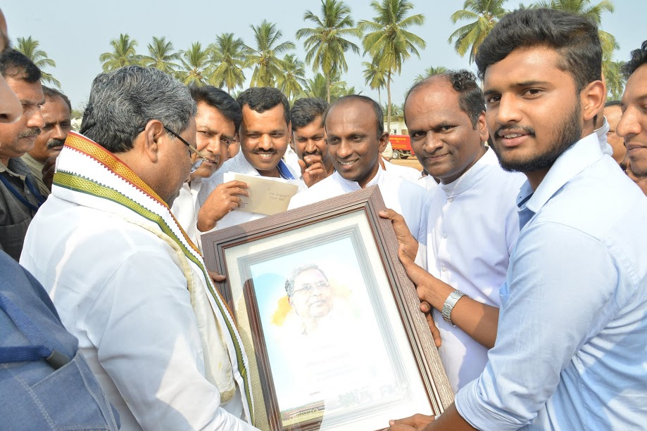 Chief Minister Siddaramaiah warmly welcomed at St Philomena College, Puttur