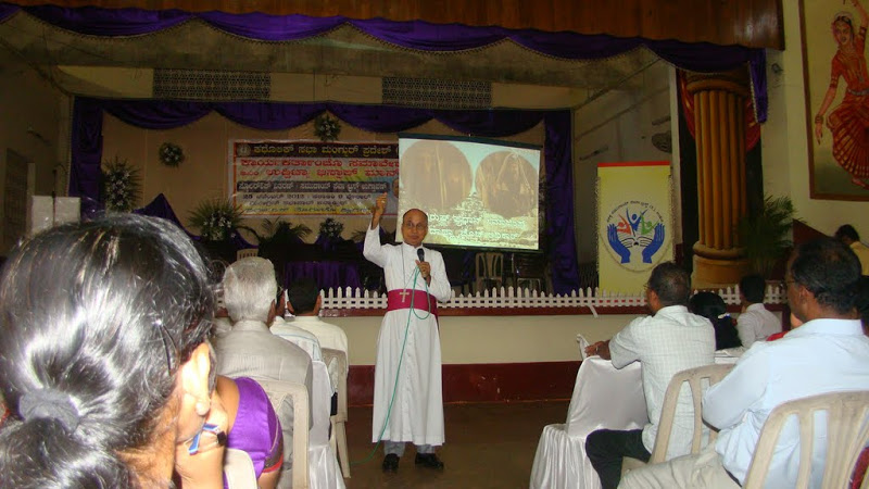 Udupi Bishop's Interaction with Diocesean Laith Leaders