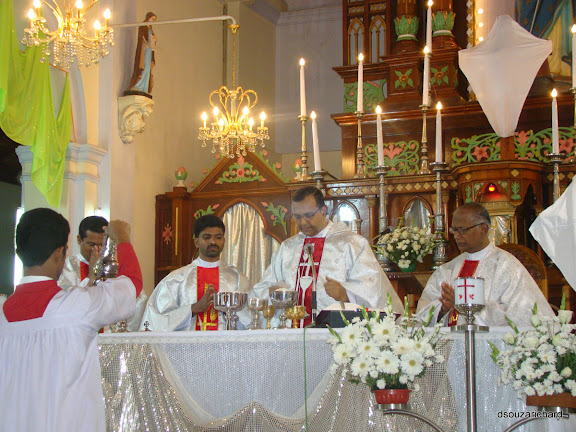 Holy Thursday with great devotion and reverence at Milagres Church, Kallianpur