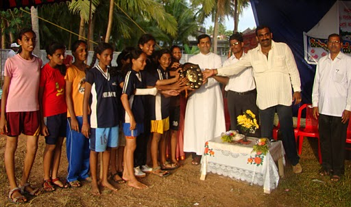 Boys and Girls of Milagres English Primary School won Champions in Cluster level Sports meet