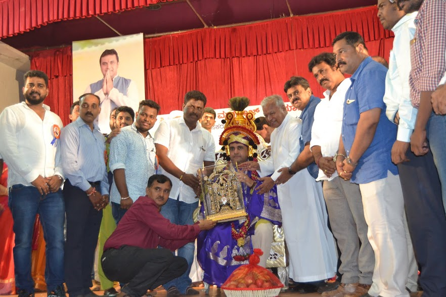 Pramod Madhwaraj' 49th Birthday celebrates with free Health Check up camp
