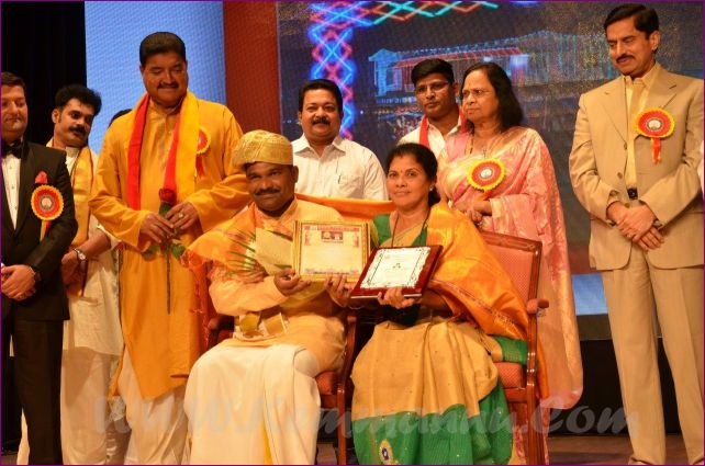 Abu Dhabi Karnataka Sangha celebrated Karnataka Rajyotsava with Da Ra Bendre award conferred to Shekhar Shettigar