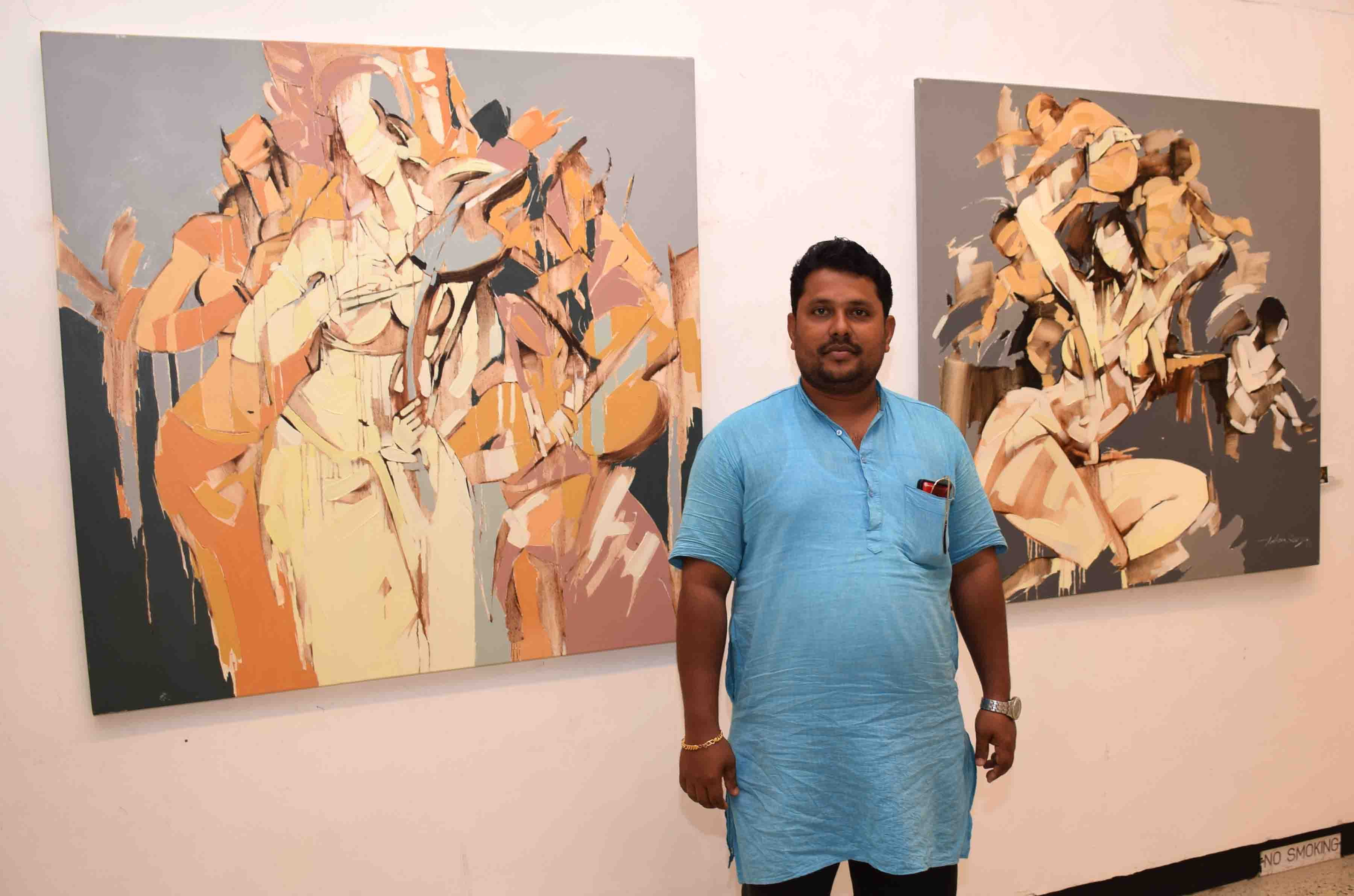 Wilson Kayyar's art expo exhibits on display at  Mumbai's  Jehangir Gallery