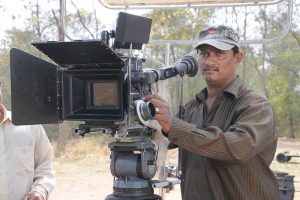 MANGALUREAN HARRY FERNANDES INDUCING BOLLYWOOD TOUCH TO KONKANI FILMS