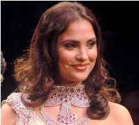 Sonam Kapoor and Lara Dutta Steal the Show at the IIJW Finale!