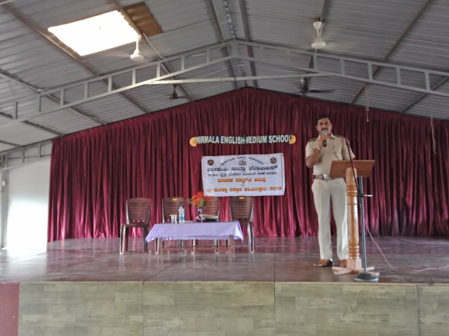 Seminar on Road safety held at Nirmala English Medium School, Brahmavar