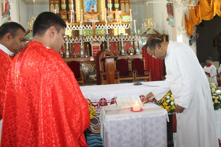 The inauguration of Catechism Classes for the academic year held at Milagres Cathedral, Kallianpur