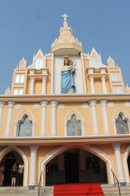 Prelude to Annual Feast, Milagres Cathedral Kallianpur celebrates