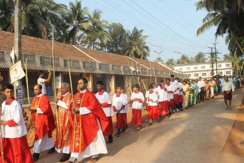 Palm Sunday observed at Milagres Cathedral, Kallianpur of Udupi diocese with gaiety and devotion