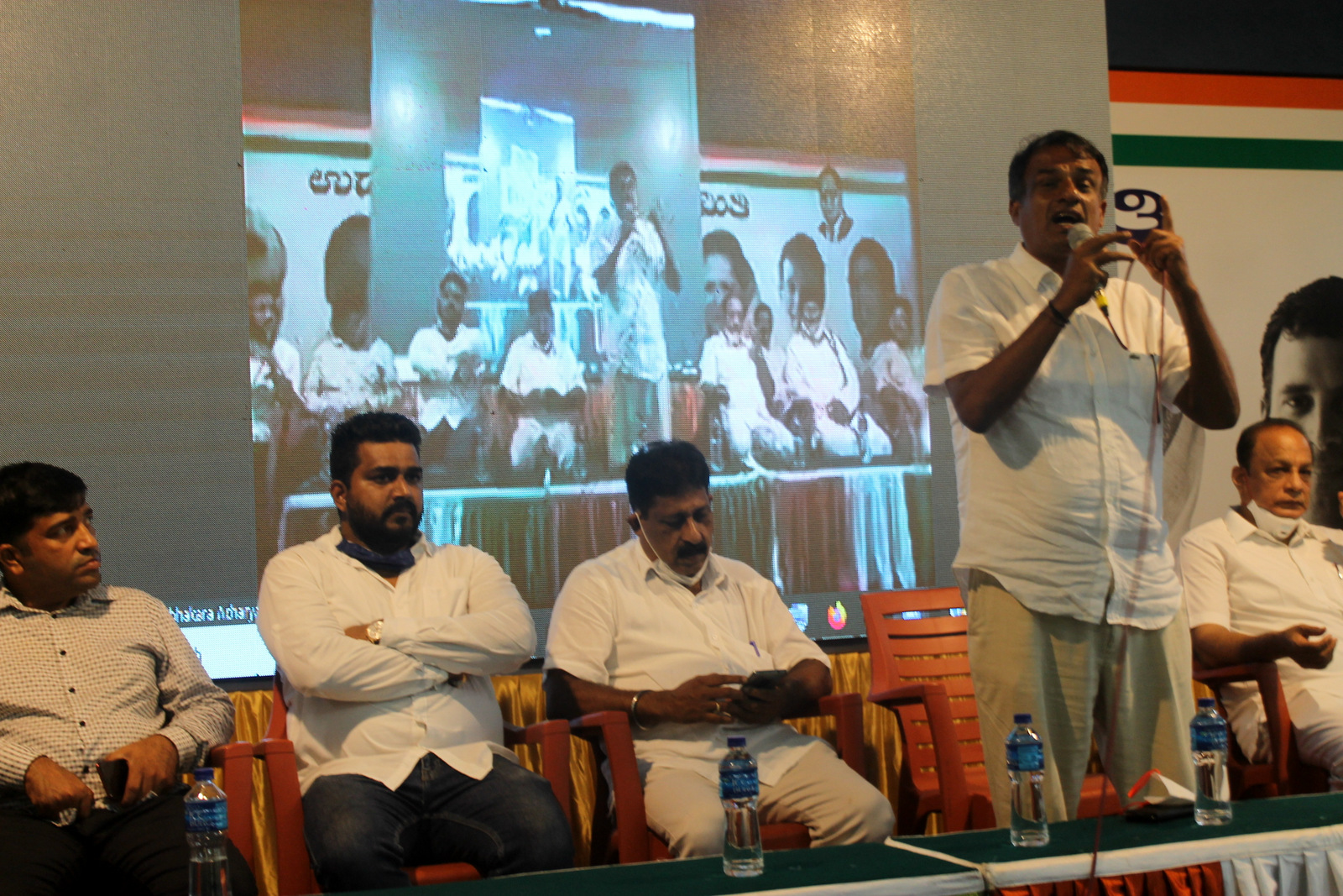 Munjunath Bhandary Vice President of KPCC inaugurates the Youth Congress Workshop