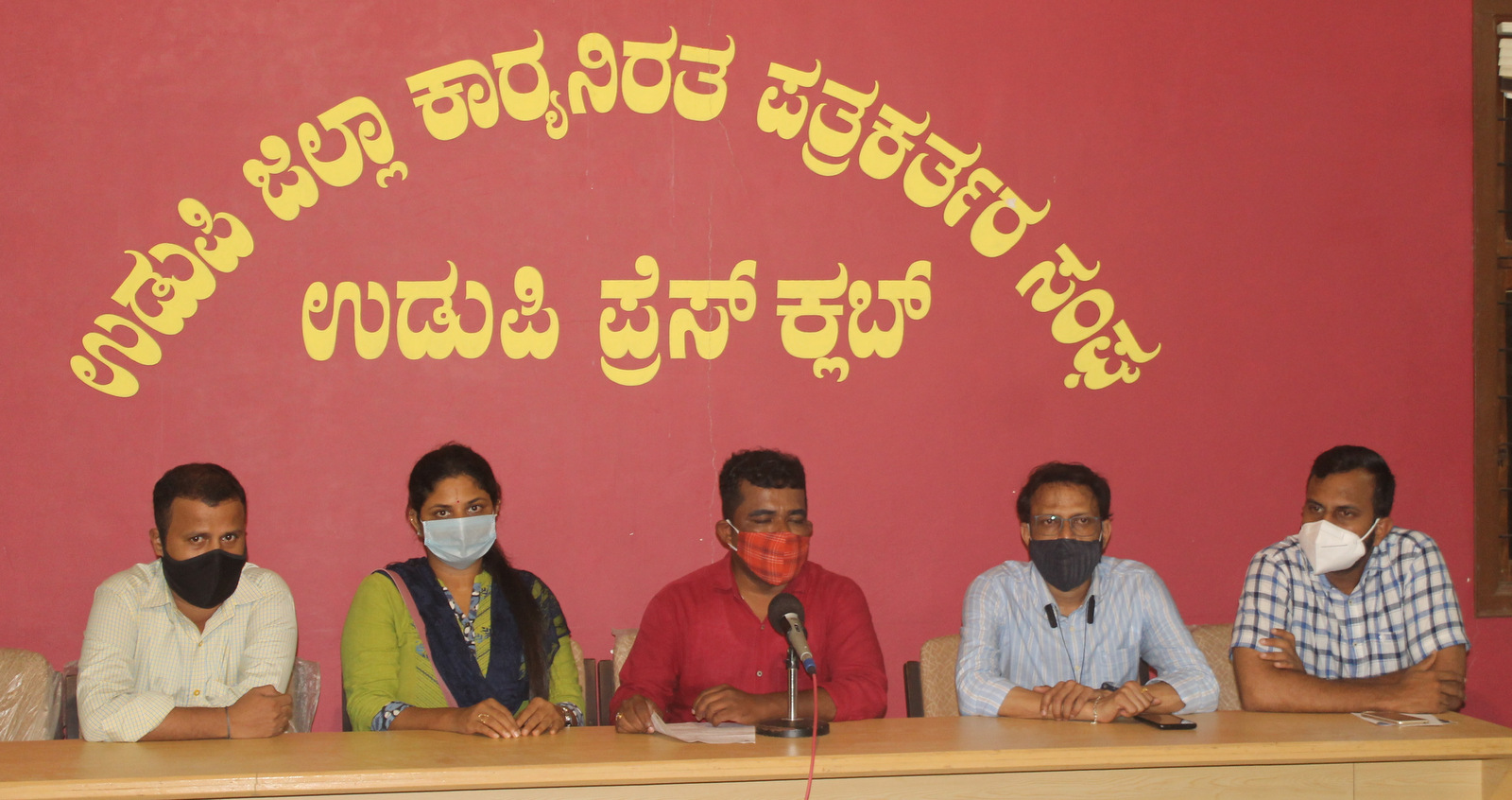We never bend for government show cause notice till our demands met - Manjunath