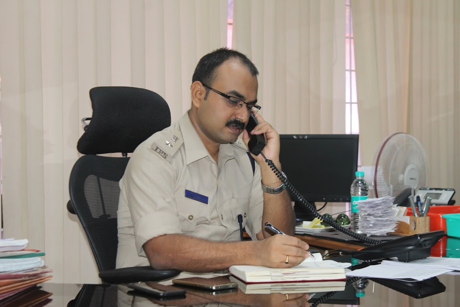 Police to take strict action on the people who lend more interest rates - SP