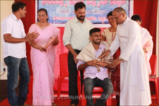 Catholic Sabha Kemmannu unit felicitates achievers