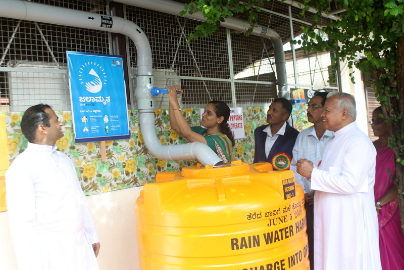 Udupi Zilla Panchayat CEO inaugurates Rain Water Harvesting Unit at Milagres School Kallianpur