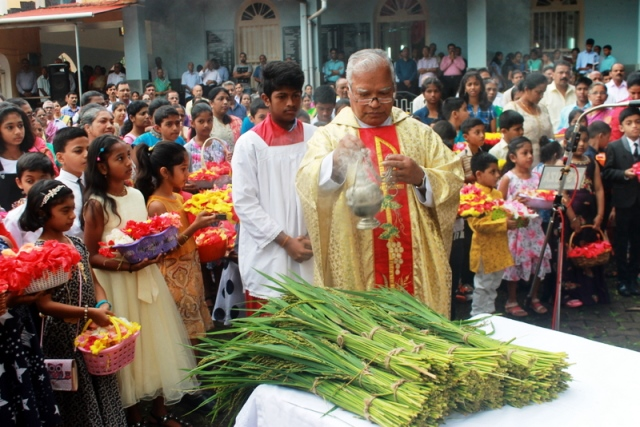 Milagres Cathedral celebrates feast of Nativity