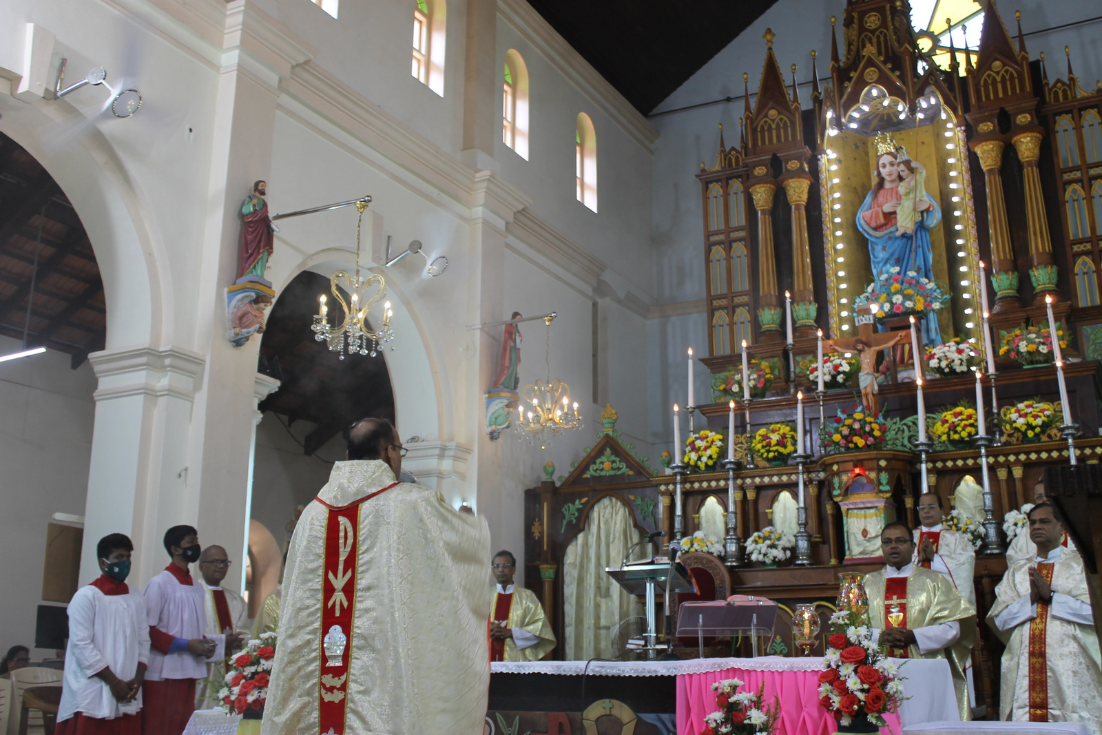 Milagres Cathedral, Kallianpur celebrates annual feast with gaiety and fervour