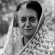 Leaders pay rich tributes to Indira on death anniversary