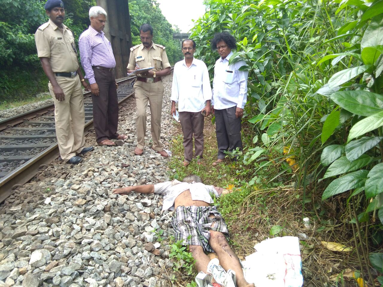 Dead body found near Indrali Railway track this moring.