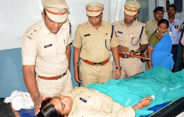 Rowdy-sheeters Attack, Injure Woman PSI, Constable in Kalburgi