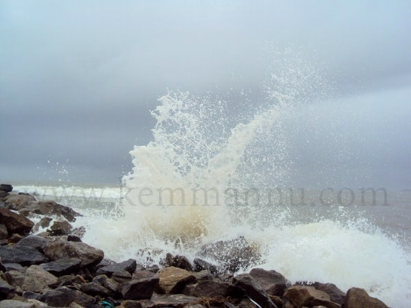 Sea erosion threatens houses on Mangalore, Udupi coast