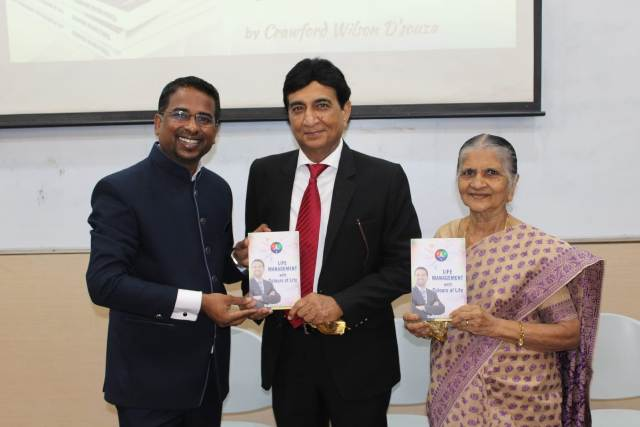 Crawford Wilson D'Souza gets his first book on Life Management released in Mumbai