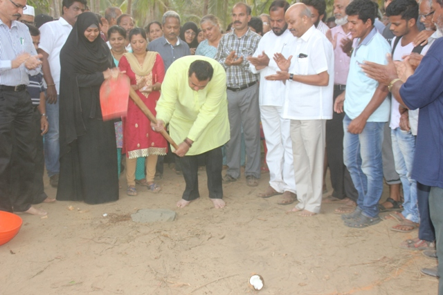 Minister Pramod performs 'Guddali Puje' for Thimman Kudru Bridge, distributes Sports Kit to Youth Clubs.