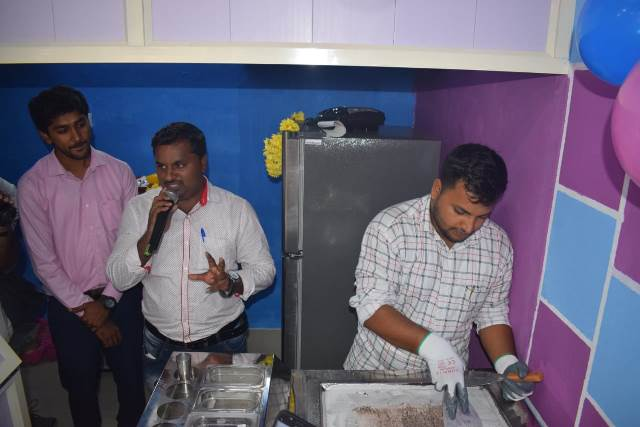 Frozen Bowls first franchisee outlet at Mangaluru